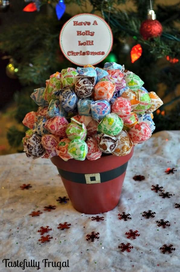Have A Holly Lolli Christmas: Santa Lollipop Tree