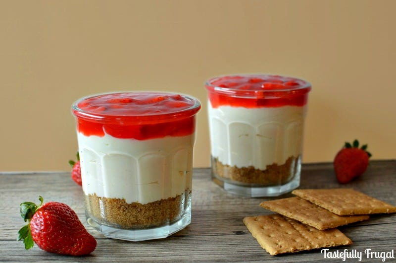 Dessert For Two: Easy Strawberry Cheesecake {No Bake}