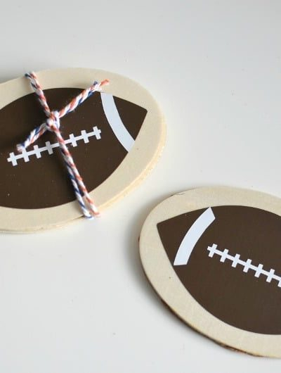 DIY Football Coasters: Keep your tables safe on game day with these easy DIY coasters that you can make in less than 2 minutes! | Tastefully Frugal ad #FamilyPizzaCombo #CollectiveBias