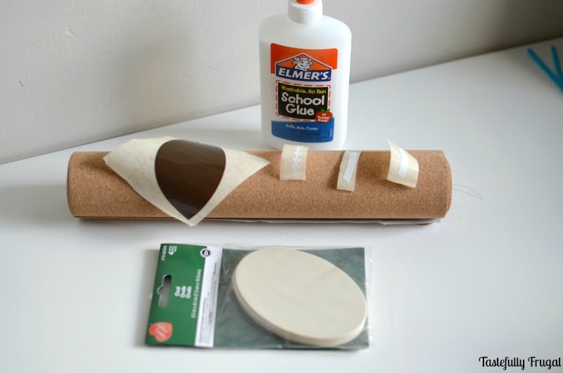 DIY Football Coasters: Keep your tables safe on game day with these easy DIY coasters that you can make in less than 2 minutes!   Tastefully Frugal ad #FamilyPizzaCombo #CollectiveBias