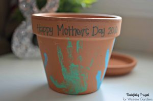 DIY Mother's Day Flower Pot: The perfect Mother's Day gift kids will love to make and moms will love to get!