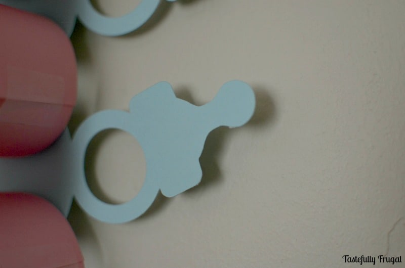 Baby Announcement Paper Chain: Countdown to baby with these easy to make paper chain   Tastefully Frugal