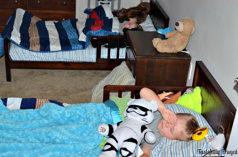 Help Your Kids Fall Asleep & Sleep Through The Night In 4 Easy Steps AD |Tastefully Frugal