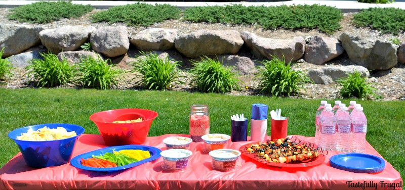 Patriotic Tablescape For Pennies