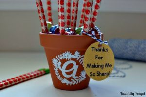 Initial Pencil Holder Teacher Gift: Create this fun and functional gift for less than $5 | Tastefully Frugal