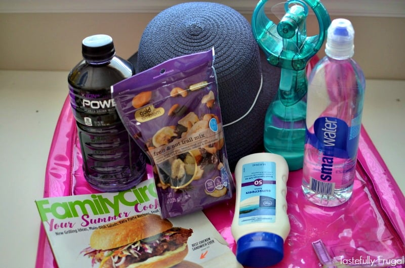 Pregnant Mom's Summer Survival Kit: Make the hot summer months more enjoyable with these essentials AD #SummerHydration