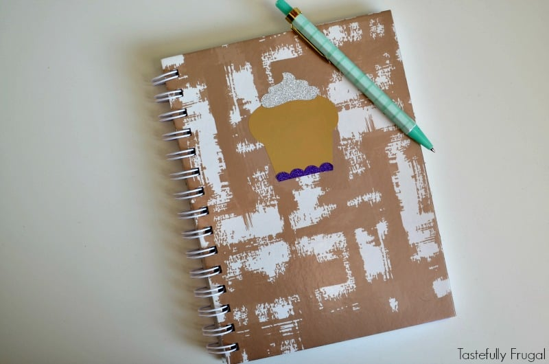 DIY Fall Journal: Make this fun journal to keep track of things in minutes with the Cricut Explore Air 2 | Tastefully Frugal