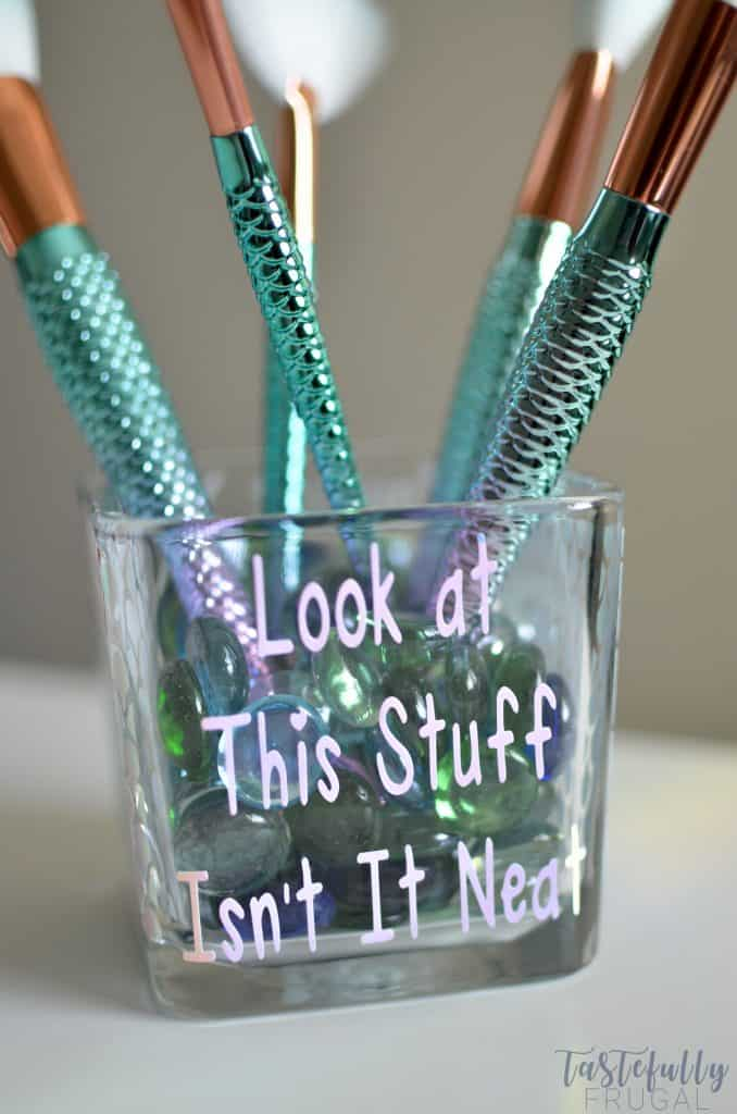 Display your makeup brushes in this cute jar! Takes only 5 minutes to make with your Cricut