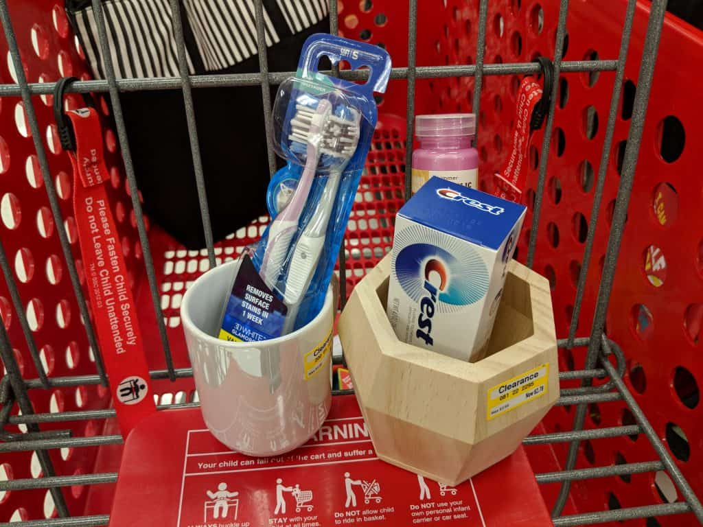Clean up your bathroom with this easy to make organizer! #ad #ForGumsSake #AvailableAtTarget