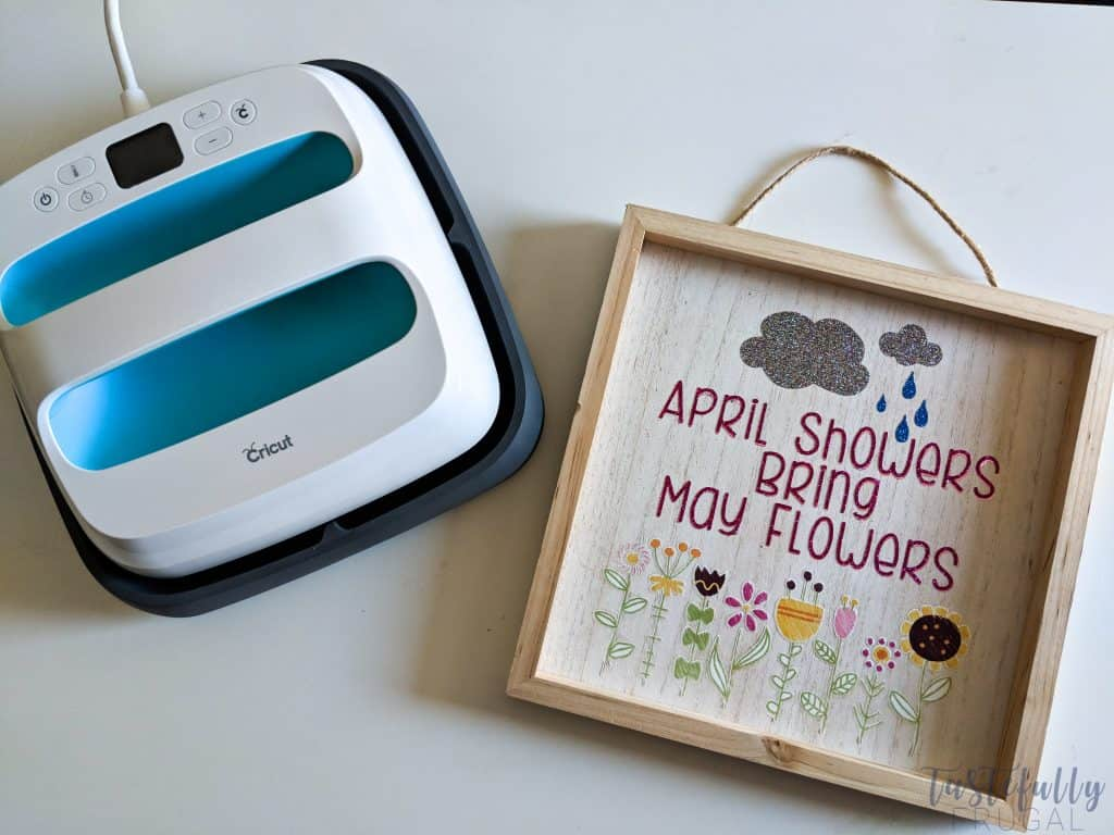Create this fun Spring sign in minutes with Cricut Iron Vinyl and the new Iron On Designs.