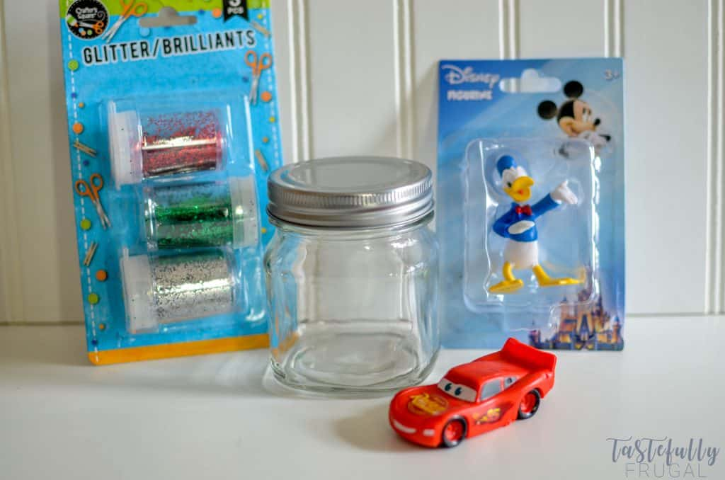 These crafts are perfect for any Disney fan or for your trip to Disneyland PLUS they cost $3 or less to make!