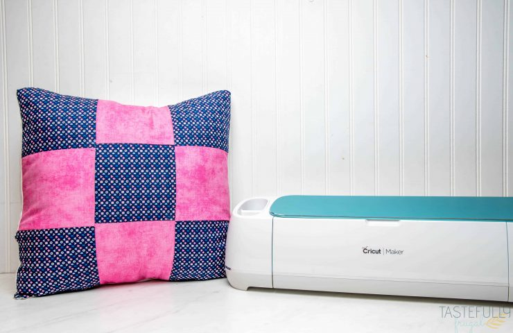 How To Use English Paper Piecing Patterns In Cricut Design Space (AND Easy Quilted Pillow)