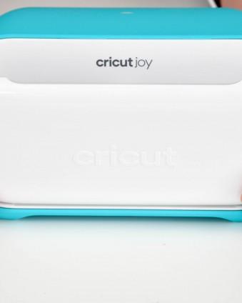 Learn about Cricut's compact cutting machine Cricut Joy! #ad #cricutjoy #cricutcreated