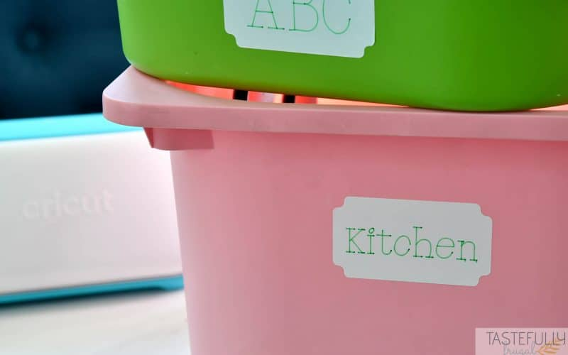 Learn how to use Cricut's writable vinyl, Smart Label. These are perfect for organzing your kitchen, craft room, kids room and more!